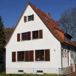 UNILUX Holzfenster | Blend/Flügelrahmen: 72 mm Bautiefe | Glas: 3-fach-Wärmeschutz-Glas, Ug-Wert 0,6 W/m²K | WIRUS Kunststoff-Fenster MD73 | Rahmen: 5-Kammer-System, 73 mm Bautiefe, Uf-Wert 1,3W/m²K | Glas: Wärmeschutz-Glas, Ug-Wert 0,7 W/m²K